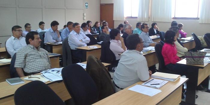 """La especificidad de la empresa pública peruana, eje del programa especializado """"La actividad empresarial del Estado"""""""